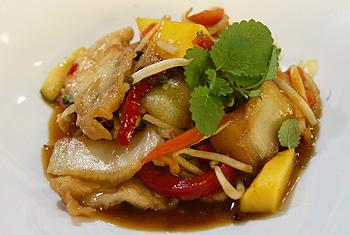 Süß-saures Huhn mit Wokgemüse