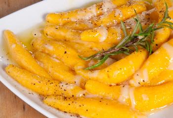 Kürbisschupfnudeln mit brauner Butter und Parmesan