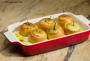 Äpfel, gefüllt mit Faschiertem