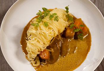 Geschmortes Schultermeisel mit Gemüserahmsauce Foto: © ORF/Interspot