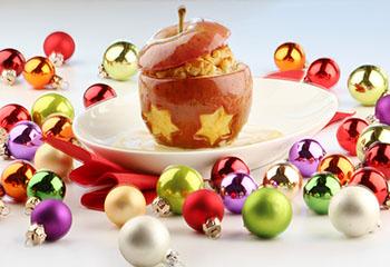 Bratapfel mit Nussfüllung & Vanillesauce