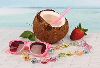 Kokos-Shake mit frischen Erdbeeren