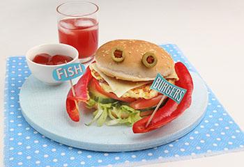 Fischburger mit frischem Gemüse