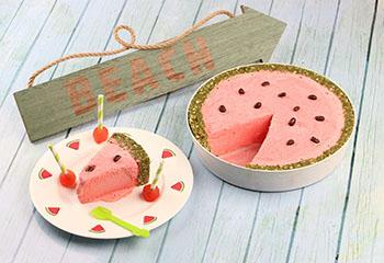 Cooles Wassermelonen Eis mit Butterkeksrand