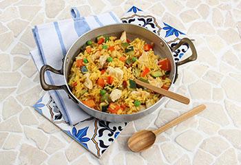 Bio-Hühner-Paella mit köstlichem Gemüse