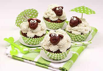 Schäfchen-Cupcakes mit Zartbitterschokolade