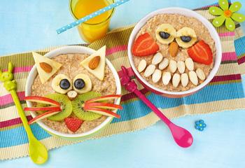 Porridge mit Eulen-Gesicht