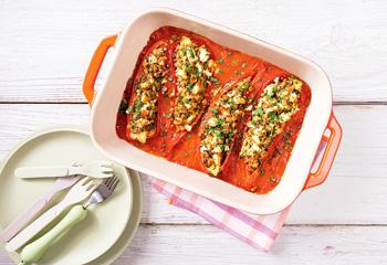 Gefüllte Bio-Paprika mit Linsen, Zucchini und Feta