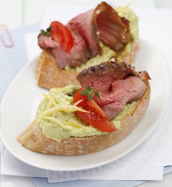 Roastbeefsandwich mit Avocado-Olivenölcreme