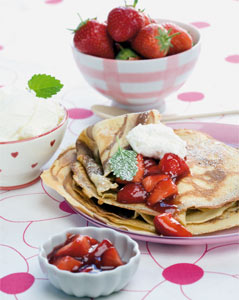 Nutellapalatschinken mit 3 Minuten-Erdbeermarmelade