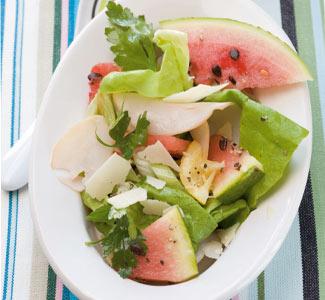 Wassermelonen-Parmesansalat mit Putenschinken