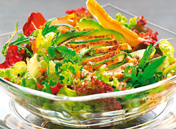 Hühnerbrustsalat mit Salzstangerlchips