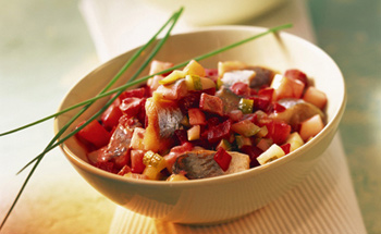 Matjessalat mit Paprika und Safran