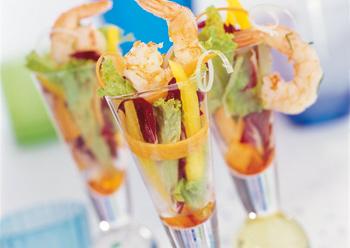 Thai-Salat mit Safran-Garnelen