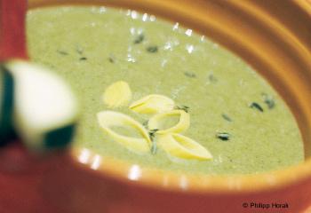 Zucchini-Erdäpfel-Thymian-Suppe