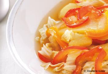 Gemüseeintopf mit Sesam-Tofu-Schnitzel