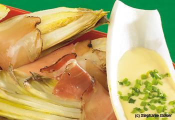 Chicorée mit Schinkespeck und Käse