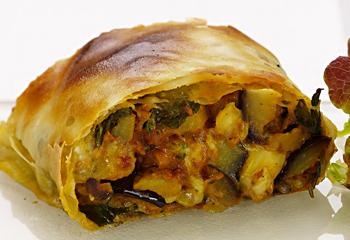Melanzani-Strudel mit Mozzarella