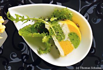 Gemüseterrine mit Kräutersalat