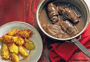 Rindsroulade im Rotweinsaftl mit Liebstöckelpuffer
