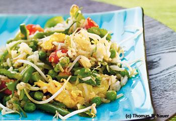 Frittierter Jasminreis mit Gemüse