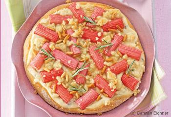 Süße Rhabarber-Pizza mit Ricotta