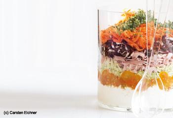Schichtsalat mit Schinken und Kumquats-Chutney