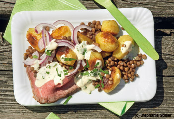 Roastbeef mit Erdäpfel-Linsen-Salat