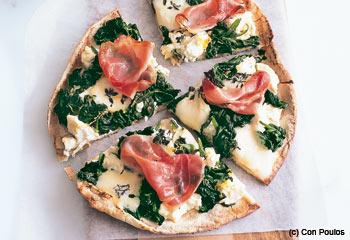 Spinat- und Mozzarella-Pizza
