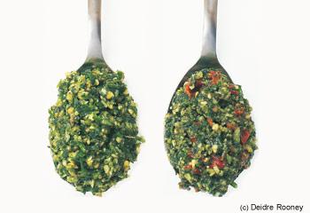 Farfalle-Salat mit Huhn, Tomaten und Oliven
