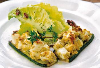 Zucchini mit einer feinen Fetakruste