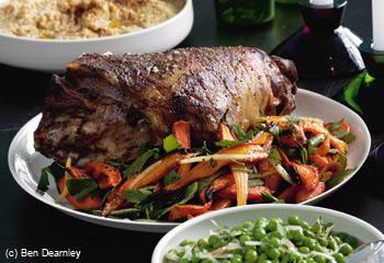 Levantinisches Lamm mit warmem Karotten-Minze-Salat und Kichererbsenstampf
