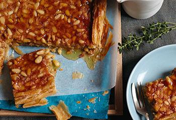 Honig-Pinienkerne-Tarte Foto: © Vanessa Levis