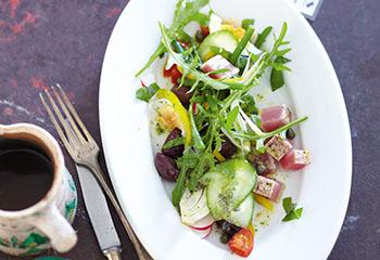 Salade Nicoise mit gebratenem Thunfisch Foto: © Janne Peters