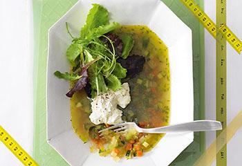Gemüse-Dill-Sulz mit Ziegenfrischkäse Foto: © Walter Cimbal