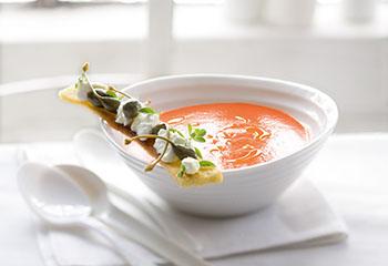 Peperonata-Suppe Foto: © Monika Schürle & Maria Grossmann