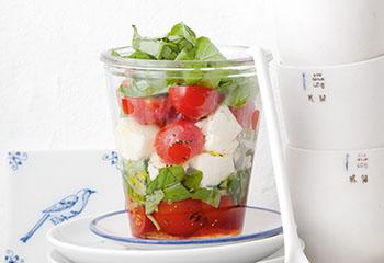 Tomaten-Mozzarella-Salat Foto: © Monika Schürle & Maria Grossmann