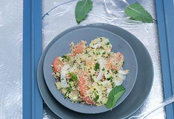 Winterlicher Couscous-Fenchel-Salat mit Grapefruit Foto: © Monika Schürle & Maria Grossmann