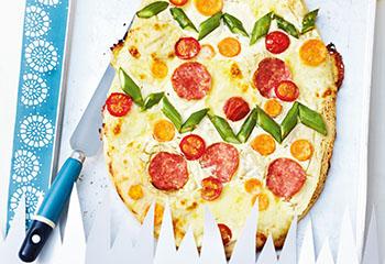 Salami-Spargel-Pizza Foto: © Wolfgang Schardt