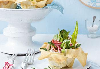 Strudelteig-Salatnester mit Schinken Foto: © Wolfgang Schardt