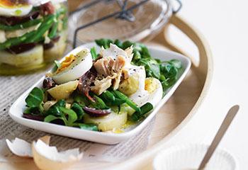 Salade Nicoise mit Aioli Foto: © William Meppem