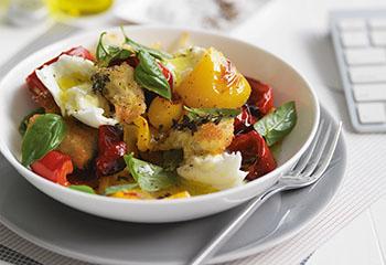 Gebratene Paprika mit knusprigen Croûtons Foto: © William Meppem