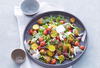 Warmer Erdäpfel-Gemüse-Salat Foto: © Janne Peters