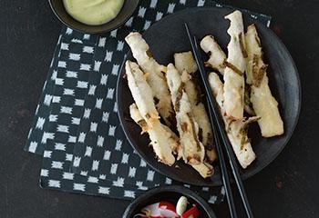 Spargel-Tempura mit Radieschen-Pickles und Limetten-Wasabi-Mayonnaise Foto: © Janne Peters