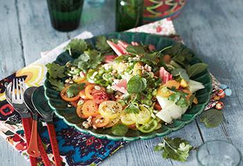 Paradeiser-Melonen-Salat mit Orangendressing Foto: © Monika Schürle & Maria Grossmann