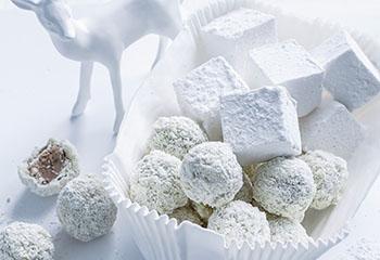 Trüffelkugeln aus weißer Schokolade und Espresso Foto: © Ben Dearnley