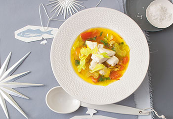 Tomaten-Paprika-Suppe mit Forelle und Safran Foto: © Monika Schürle & Maria Grossmann