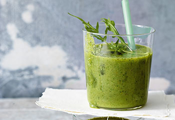 Rucola Sellerie Smoothie Foto: © Walter Cimbal