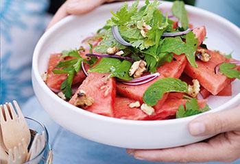 Wassermelonensalat mit Kräutern Foto: © Ben Dearnley