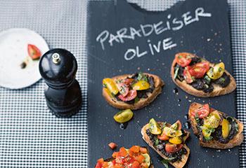 Tomaten-Oliven-Bruschettas Foto: © Wolfgang Schardt
